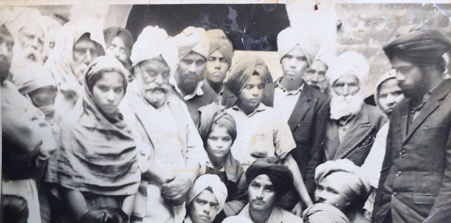 Dad and family in India_old